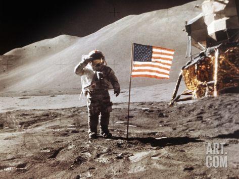 月面に着陸したあとのかっこいい姿
