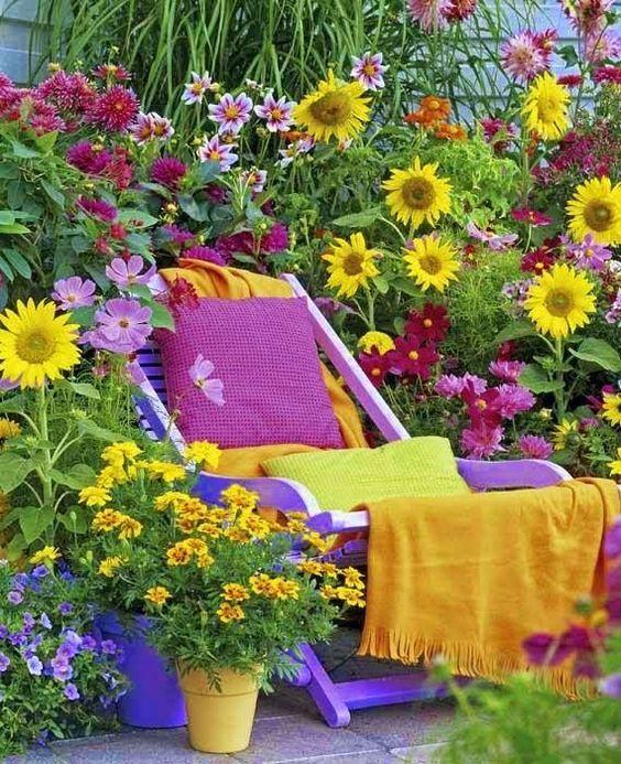 Queridos amigos,   Este ano o Verão teima em não vir...e que saudades tenho de dias de sol e calor...e noites quentes ...   Para mim o Verã...