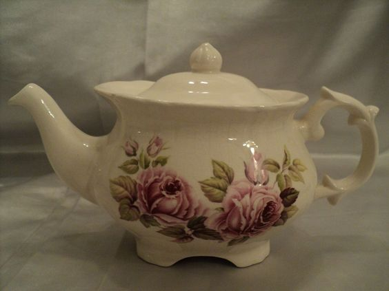 Price Kennigton #4371 Teapot With Pink Roses Made in England