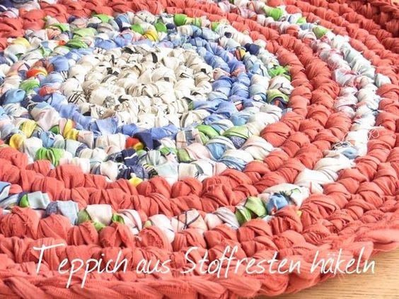 Teppich aus Stoffresten häkeln