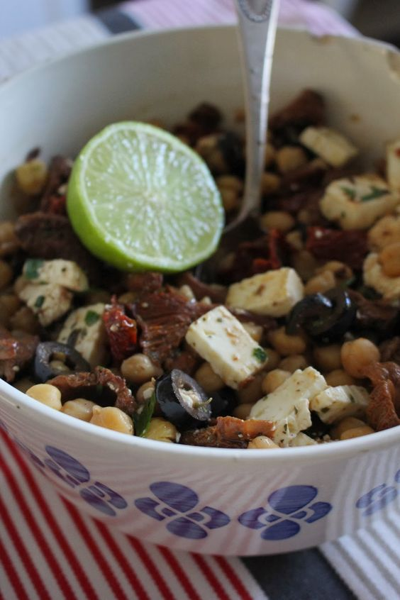 Kichererbsen Salat mit Limettensaft-Honig-Dressing