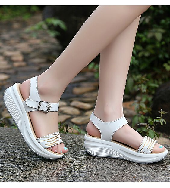 41 Comfort Platform Sandals To Look Cool And Fashionable shoes womenshoes footwear shoestrends
