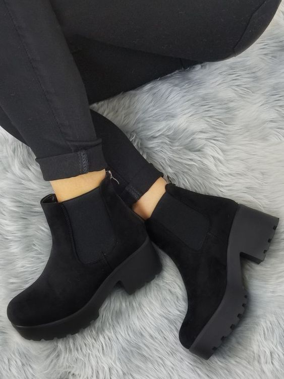 Pin by Zowie Stott on Shoes ♡ in 2020 | Boots, Shoes