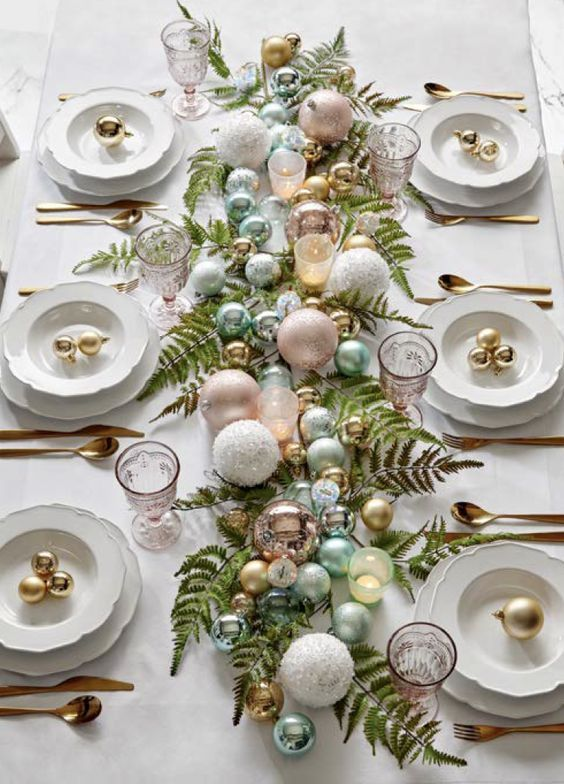 40 Spectacular Ideas For Xmas Tablescape Xmas Table Decorations Christmas Table Settings Christmas Centerpieces
