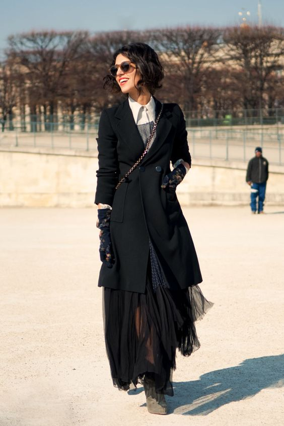 yep... going to need to have another look at that....#YasminSewell with her tailoring and layering. Paris. #JasonJean: