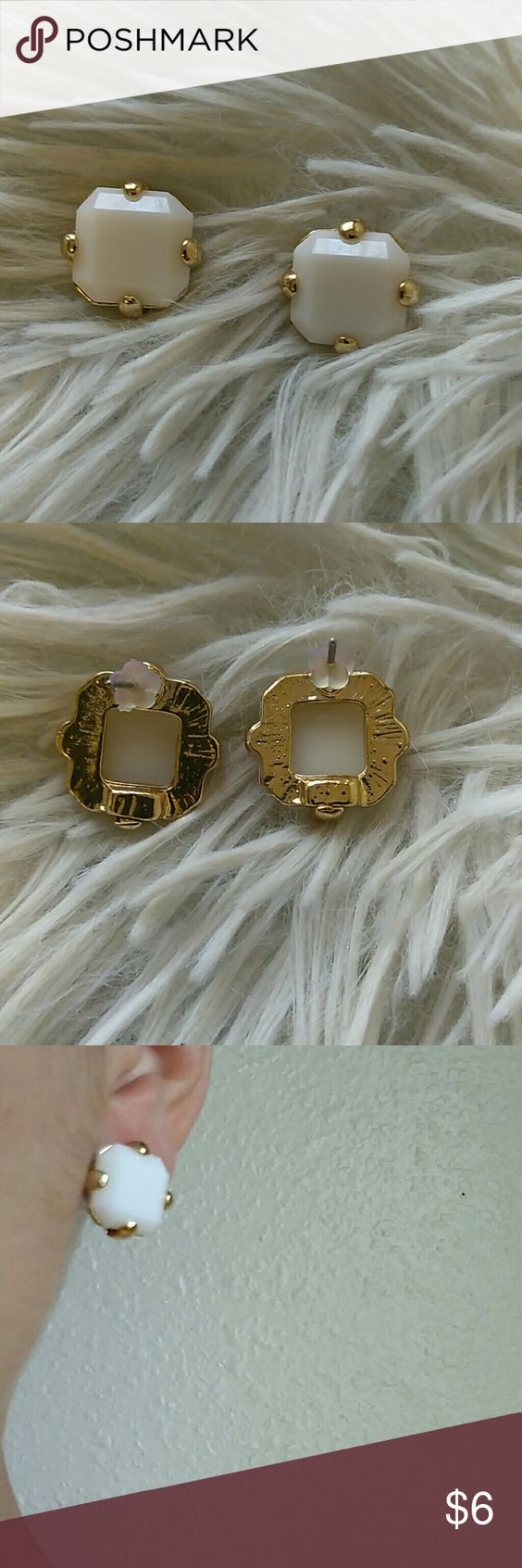 "*New* Exquisite White & Gold .5"" Stud Earrings New in package- gold tone- shine white-adjistable lead & nickel free- alloy metal- .5"" (w) x .5"" (h) boutique Jewelry Earrings"
