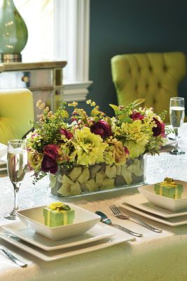 Beautiful dining room table centerpiece different color for Beautiful dining table centerpieces