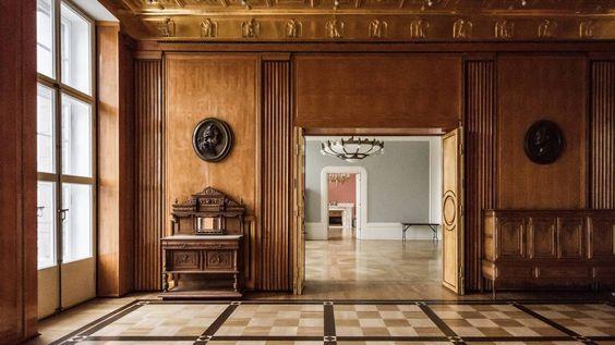 Ancienne Ambassade d'Allemagne - 11 Place Saint Isaac - Saint Petersbourg - Construite de 1911 à 1913 par l'architecte Allemand Peter Behrens - Intérieur.