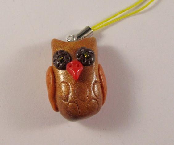 Anhänger Eule: Handgefertigt aus Polymer Clay an einem Handyband zum Anhängen an Handys oder Reißverschlußzipper, als Glücksbringer, Geschenkverzierun