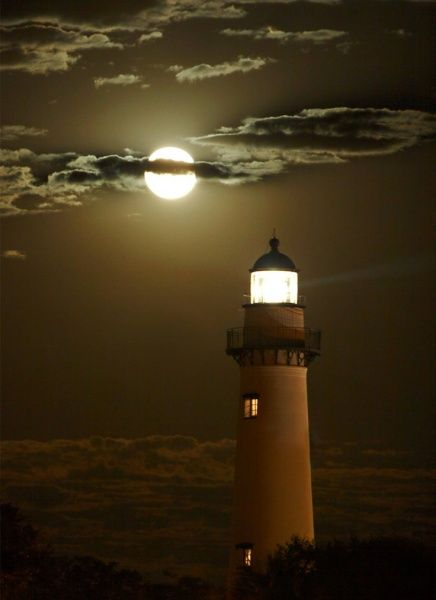 ssi lighthouse in moonlight