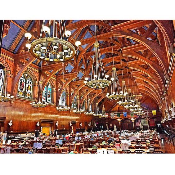 The freshman dining hall at Harvard. #Hogwarts