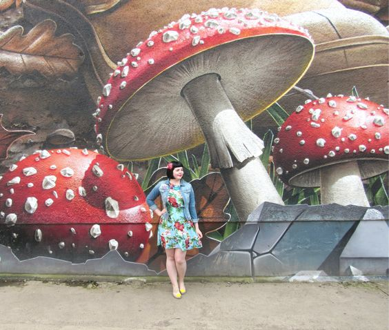 Toadstool Mural, Glasgow