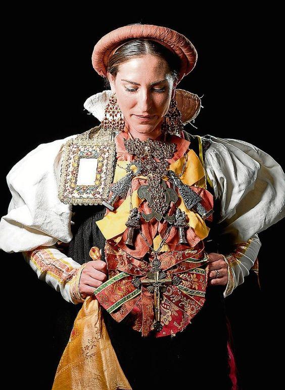 Traditional costume. Aragon. Spain