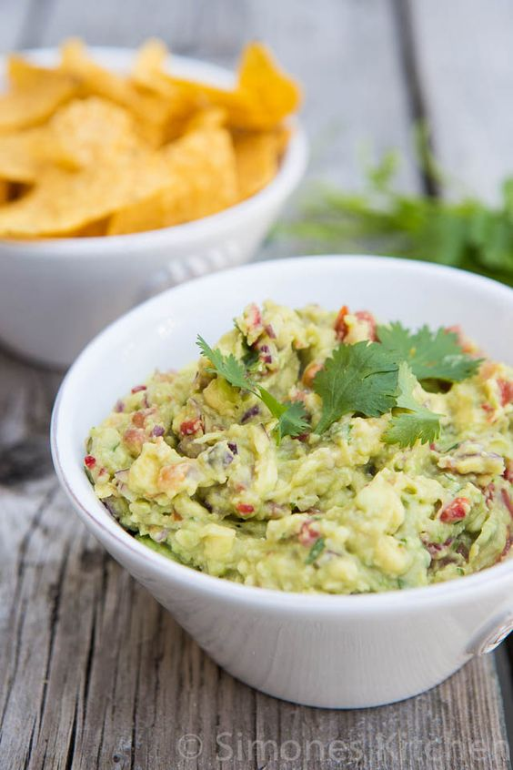 Het enige guacamole recept dat je nodig hebt   Simone's KitchenSimone's Kitchen