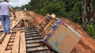 Au Congo-Brazzaville, les camions de transport de bois sèment la mort
