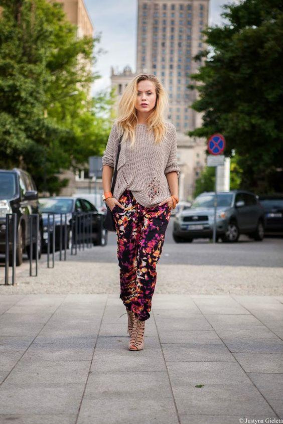 """Zaczynając ten wpis miałam pisać o kwiecistych spodniach, o tym ,że bardzo podoba mi się powracający trend na spodnie w różnego rodzaju printy. Jeden mocny akcent pozwala zostawić resztę neutralną. Na każdych moich zdjęciach, oprócz typowego przedstawienia""""szmatek"""" chce przemycić na bloga trochę fajnych zakątków miasta, w którym akurat jestem i zawsze dopasować stylizacje tak by…"""