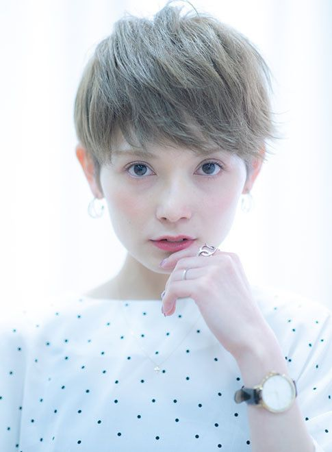40代50代吉瀬美智子さん風大人ヘア 髪型ベリーショート ヘア