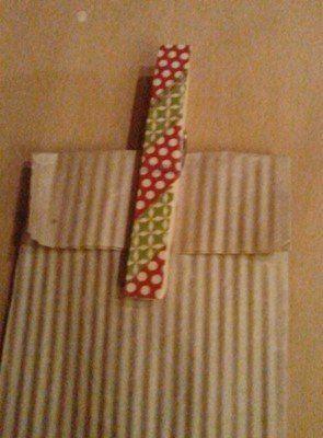 Anleitung unter http://mimmikux-stempelt.blogspot.de/2013/10/11-wochen-bis-weihnachten.html