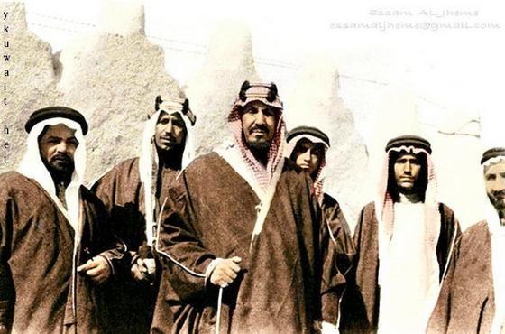 صور نادرة للملك عبدالعزيز وأبناءه Historical Figures Historical Body