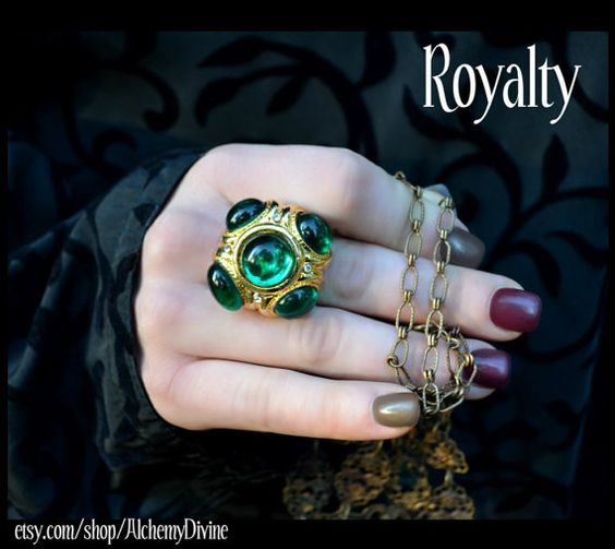 Hey, I found this really awesome Etsy listing at https://www.etsy.com/listing/171283216/royalty-statement-ring-emerald-stones