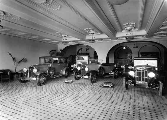 Oy Nikolajeff Ab, Arkadiankatu 2, automyymälä.  Sundström Olof 1930 Helsingin kaupunginmuseo.