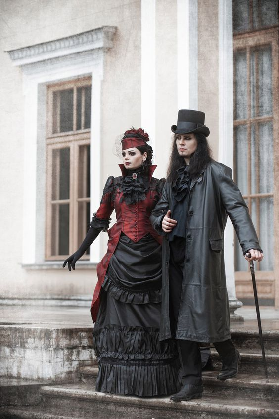 Red and black vampire bustle dress Ph: Stanislav Aleksashin Md: Katherine Baumgertner, Andreas Kriger Mua: Alina Cirkina Dress: Katherine Baumgertner #19century #blackandred #gothic vampire victorian blackmart dark_beauty bustledress gothic couple