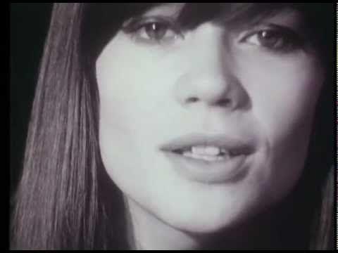 Les archives de la Radio Télévision Suisse (RTS): Invitée sur le Plateau de la TSR, dans l'émission Carrefour en 1965, la chanteuse yéyé Françoise Hardy inte...