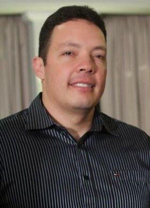 AGENTE DA GUARDA MUNICIPAL DE CURITIBA É ABORDADO E BALEADO POR MARGINAL ENCAPUZADO http://www.policiamunicipaldobrasil.com/index.php?pg=3&sub=11921