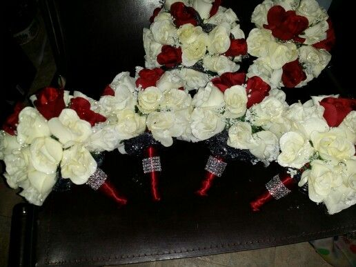Front side of the girls bouquets.