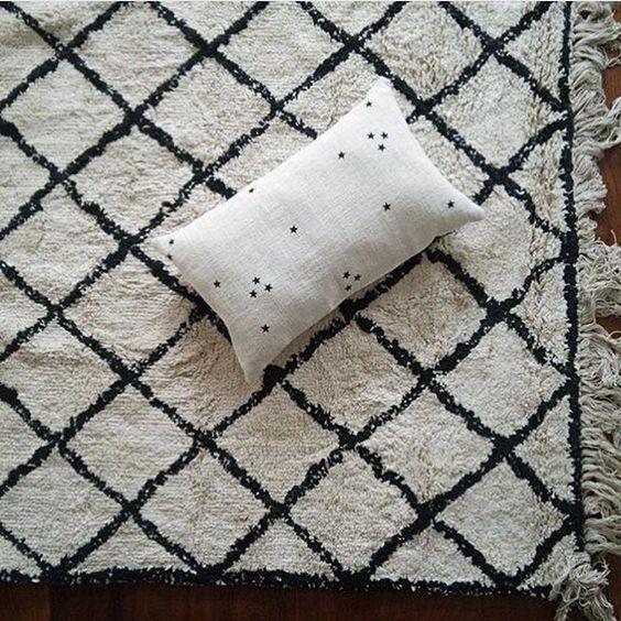 grand tapis inspiration berbere le rep re des belettes inspirations pinterest textiles. Black Bedroom Furniture Sets. Home Design Ideas