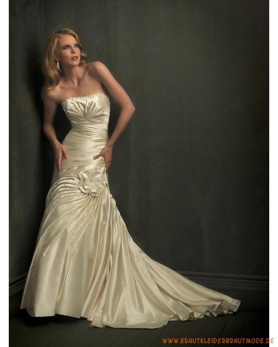 Schulterfreie Brautmode 2013 aus Satin verziertes Korsett und faltiger Rock mit Schleppe