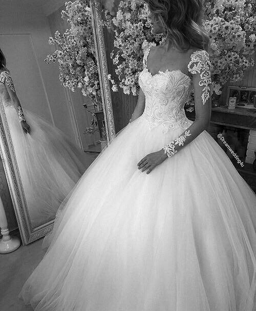 خلفيات عروس خلفيه لموبيلك او صفحتك الشخصيه علي الفيس روعه Wedding Dresses Wedding Dress Long Sleeve Beautiful Wedding Dresses