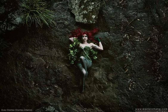 Character: Poison Ivy (Dr. Pamela Isley) / From: DC Comics 'Batman' & 'Gotham City Sirens' / Cosplayer: Evey Dantès - Dantès Inferno