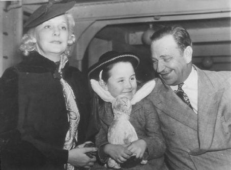Wallace Beery and Rita Gilman