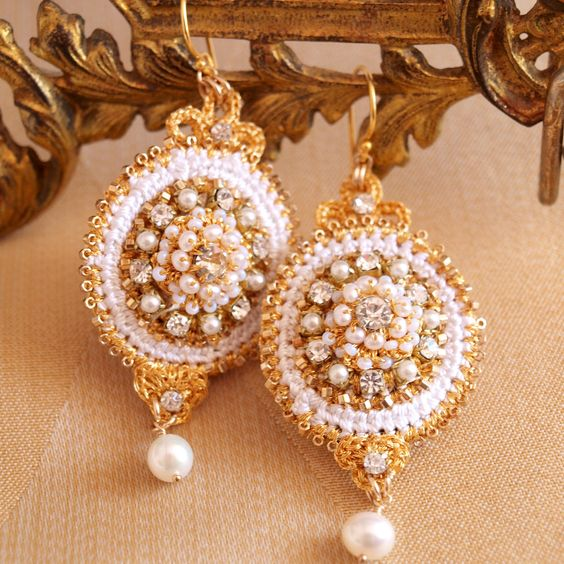 Aurora Earrings | Handmade gold lace and pearl bridal earrings by Edera Jewelry