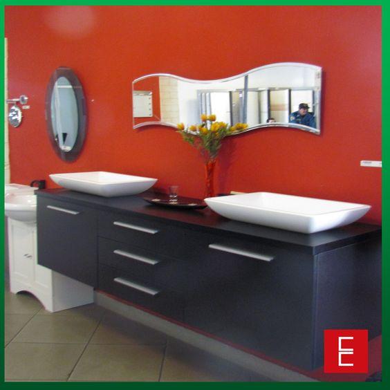 Elegante sugerencia para un ba o de parejas mueble for Mueble accesorio bano