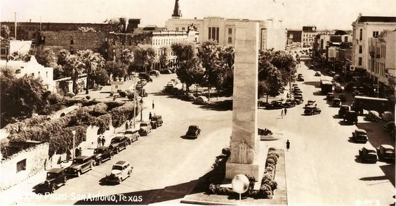 Alamo Plaza ca. 1940.  Notice the ruins of the Long Barrack building without a roof in the left foreground of the picture.