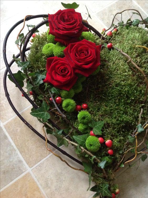 Heart wreath garten pinterest beautiful herz und for Glasvase bepflanzen