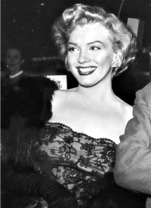 """Marilyn at the premiere of """"Don't Bother To Knock"""" in 1952."""