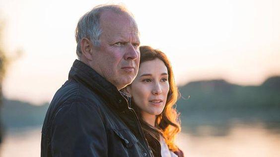 Der letzte #Tatort in diesem Jahr kommt aus Kiel. Sieht mir ganz nach einem würdigen Jahresabschluss mit Kommissar Borowski aus. :-)