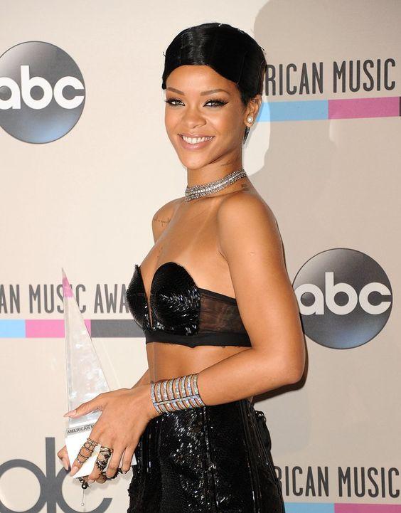 Pin for Later: Ihr erratet nie, wie diese Stars wirklich heißen Rihanna = Robyn Rihanna Fenty