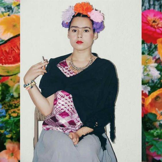 Model: Mariana Ascencio Maquillaje, peinado y vestuario inspirado en Frida Kahlo.