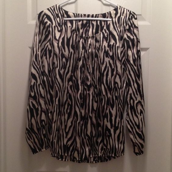 Anne Klein Zebra Print Top EUC This long sleeve, silky zebra print top has elastic in the bottom of the sleeves and the shirt. Anne Klein Tops