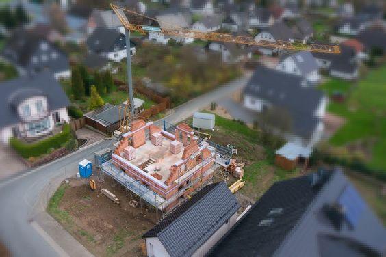 ... Häusle baue. Mit unseren Luftbildern dokumentieren wir in regelmäßigen Abständen den Bauvortschritt für ein paar besondere Erinnerungsfotos.