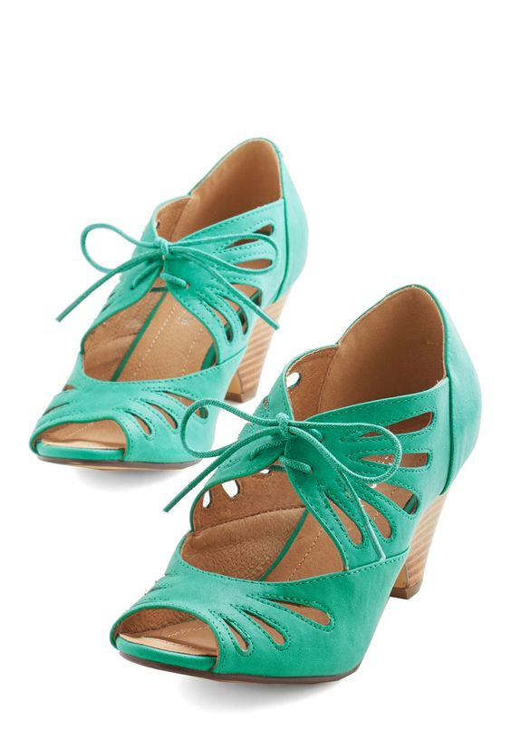 Lace Me Up Before You Go-Go Heel in Jade. Off you go in these green lace-up heels by Chelsea Crew! #green #modcloth