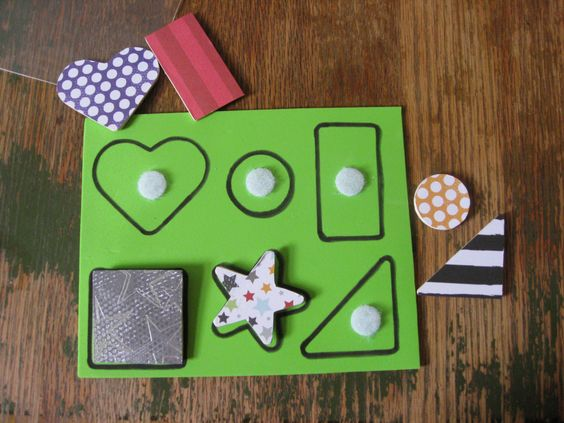 DIY Shape matching game for a toddler Busy Bag >> via SurprisinglySpecial.com