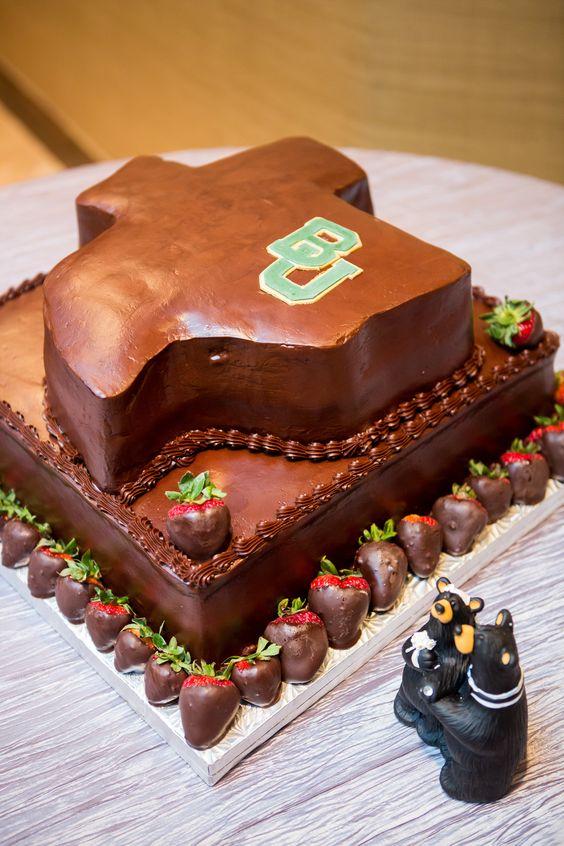 #Baylor University Groom's Cake Texas shaped chocolate cake    @baylorproud