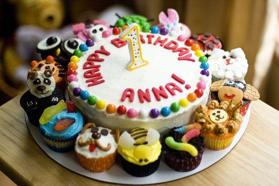 zoo birthday cake!  how stinkin cute.: Birthday Animal, Birthday Idea, 1St Birthday, Animal Cupcake, Animal Cake, Animal Birthday Cakes