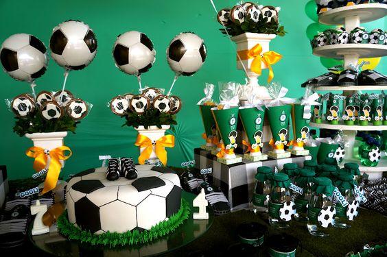 Que tal dar uma de mamãe atacante e investir na festa tema futebol para o próximo aniversário do seu filho? Ele vai amar!