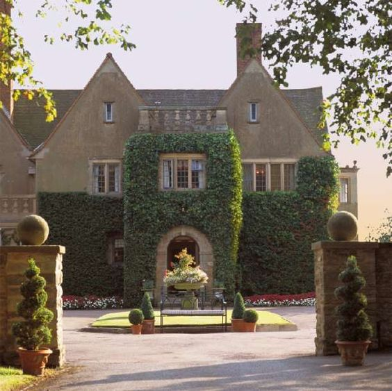 Front Entrance Mallory Court Hotel Wedding Venue In Leamington Spa Warwickshire